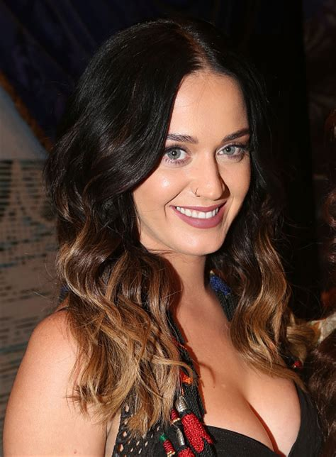 Katy Perry throws bachelorette party for friend - Daily Dish