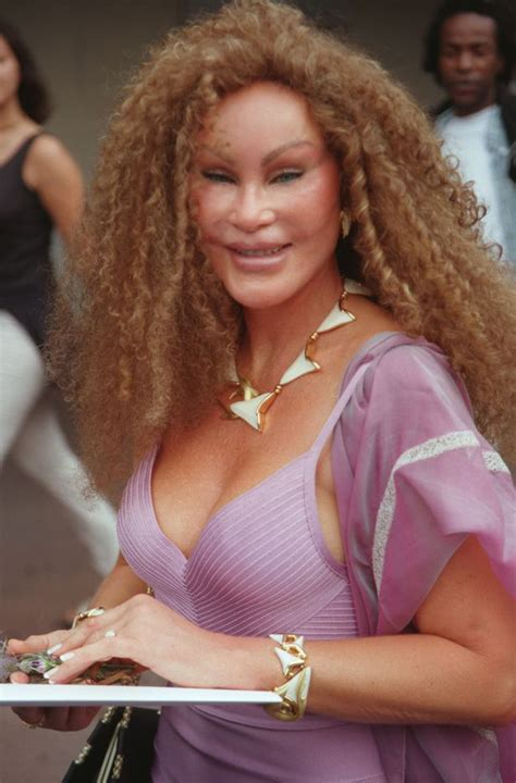 'Catwoman' Jocelyn Wildenstein's changing face and life