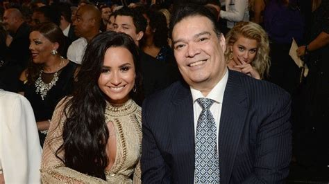 EXCLUSIVE: Demi Lovato's Dad Joins Her on Red Carpet as